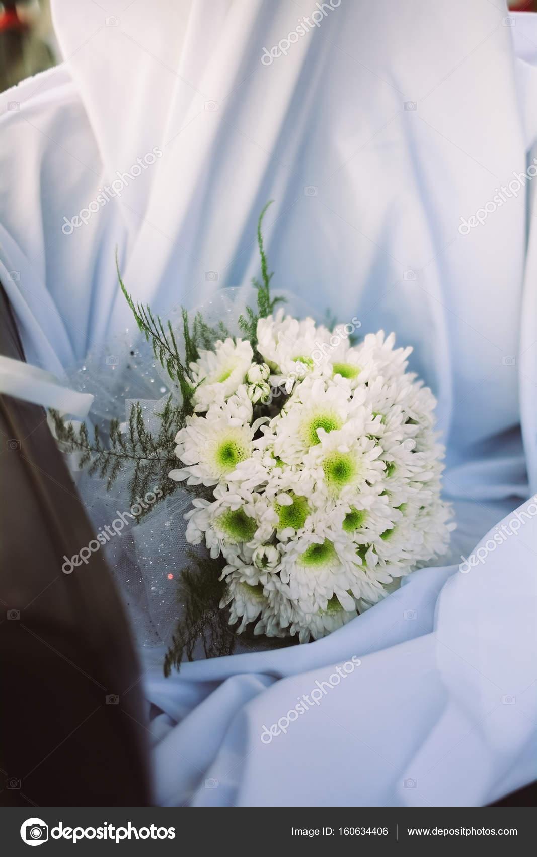 Hochzeit Bouquet Von Frischen Fruhlingsblumen Brautstrauss Mit
