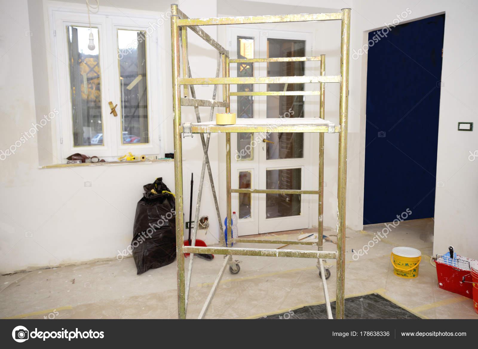 Altbau Sanierung Ein Neues Haus — Stockfoto © katy89 #178638336