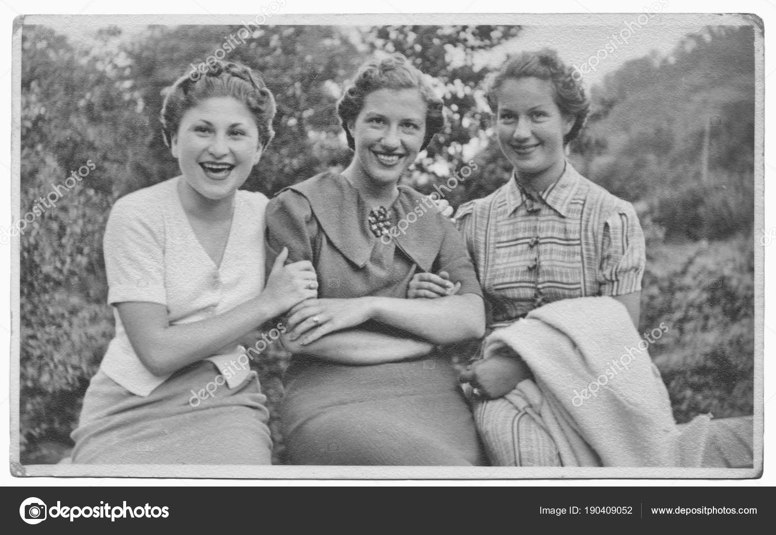 Women Friends 1934 — Stock Photo