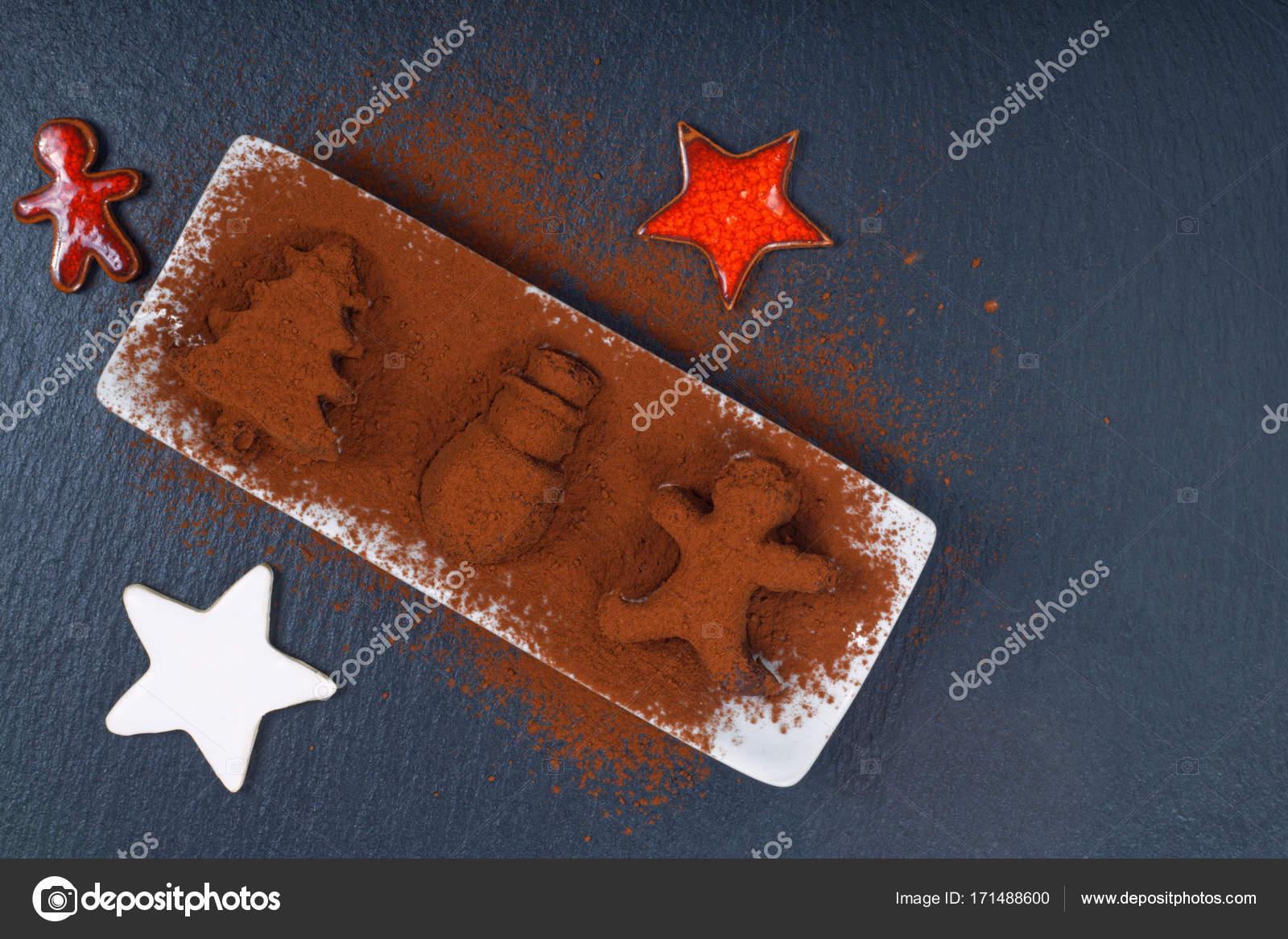 Casetta Di Natale Di Cioccolato : Tartufo al cioccolato fatti in casa di vacanza cibo concetto in
