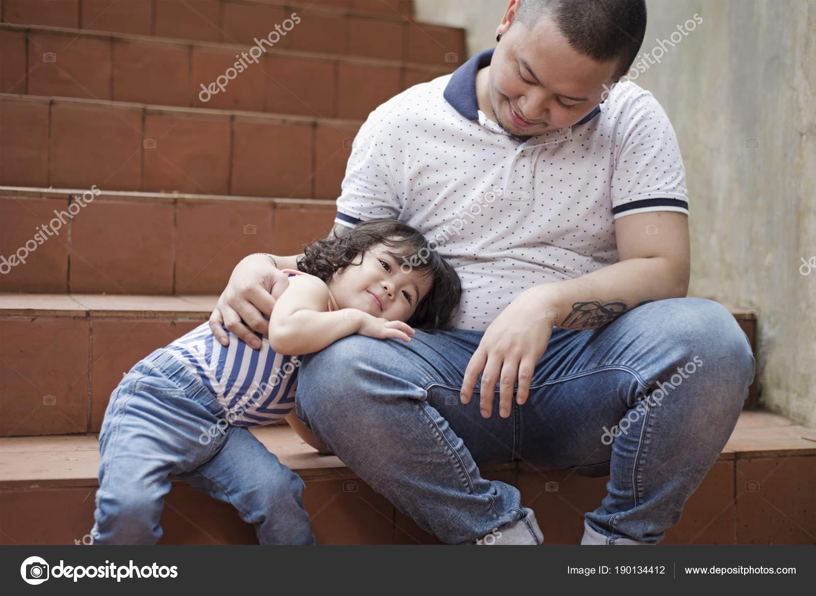 Сын сосает отца, Отец делает минет своему сыну 23 фотография
