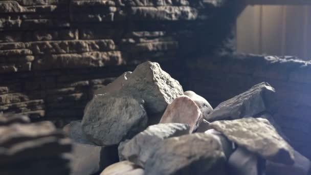 Meditace zdravý odpočinek. sauna, horké kameny relaxační terapie, koncepce zdraví