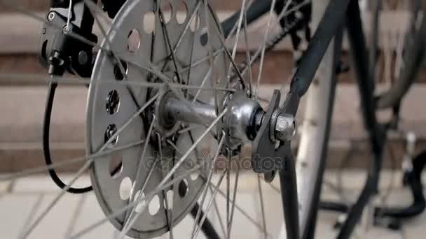 Zpomalené video rotačních vinatge jízdního kola