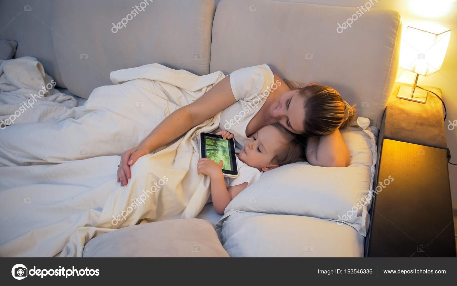 Соитие мамы с сыном, Порно: мама и сын. Инцест мамы и сына. Секс мамы 18 фотография