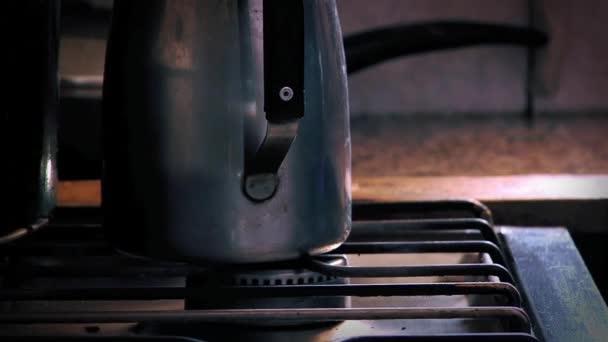 starý plynový sporák