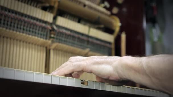 Régi zongora játék