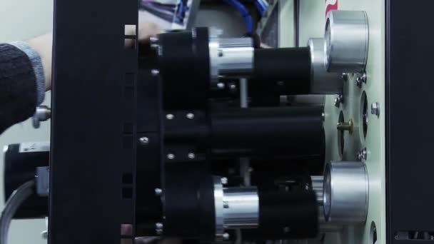 Ingenieur Verbindungsmaschine in der Telekommunikationsbranche