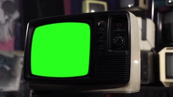 Vintage zelené obrazovky Tv, připraven nahradit veškeré záběry zelená obrazovka nebo obrázek má. Můžete to udělat s klíčování