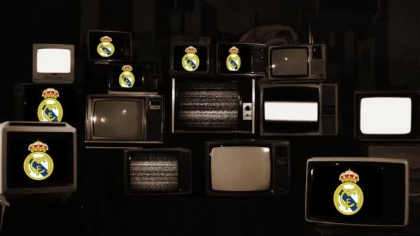 Real Madrid Schild auf Retro-Fernsehern.