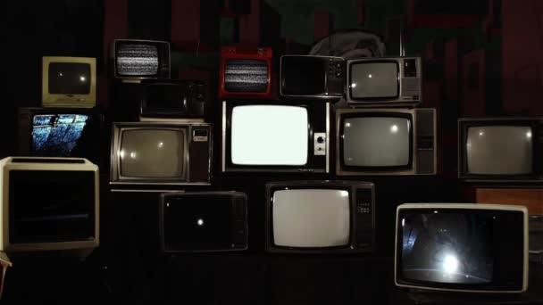 A Nap az űrben a Nemzetközi Űrállomásról Retro TV-n. A NASA által biztosított videó elemei.