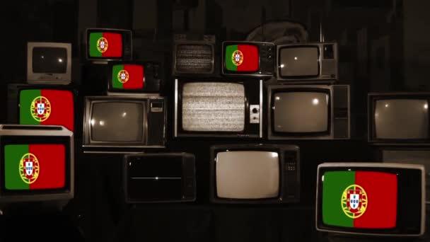 Portugália zászlók és Vintage televíziók. Sepia Tone vagyok. Közelíts rá!.