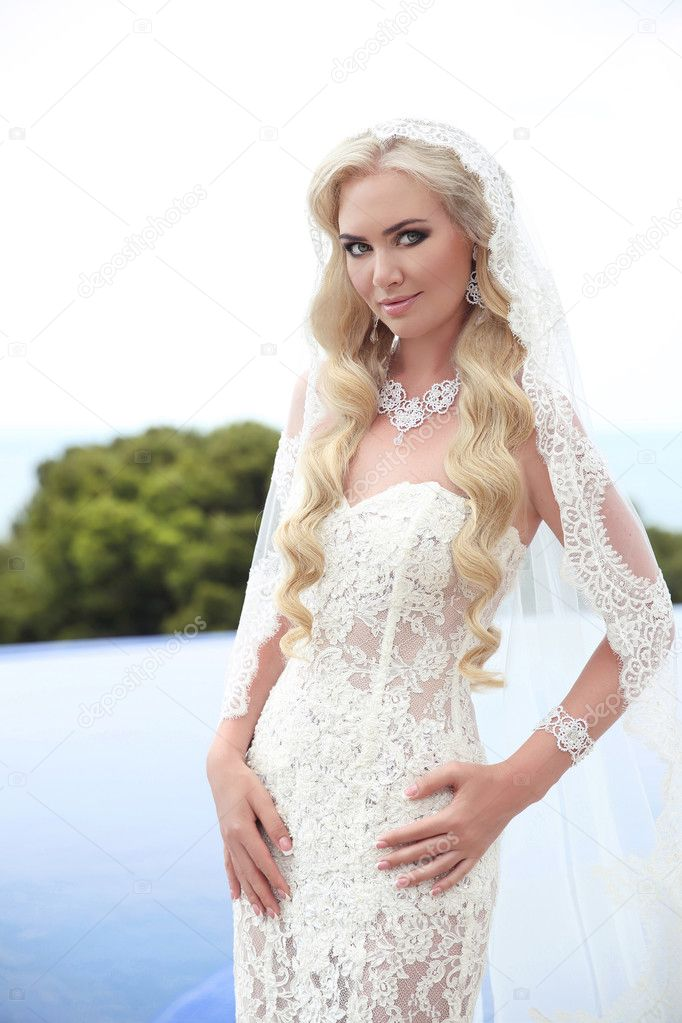 Schöne Braut Portrait Hochzeit Make Up Und Wellige Frisur Mädchen