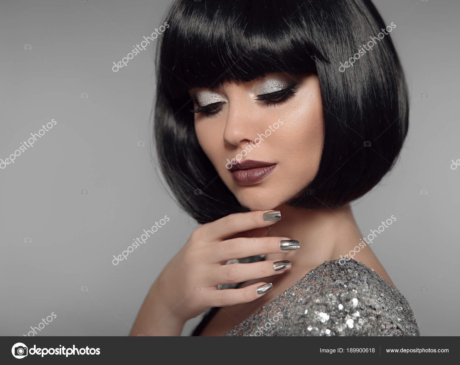 Make Up Und Maniküre Polieren Nägel Modische Mädchen