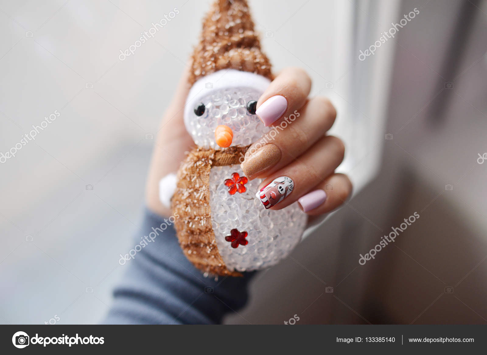 Christmas Nail art manicure. Winter Holiday style tender manicure ...