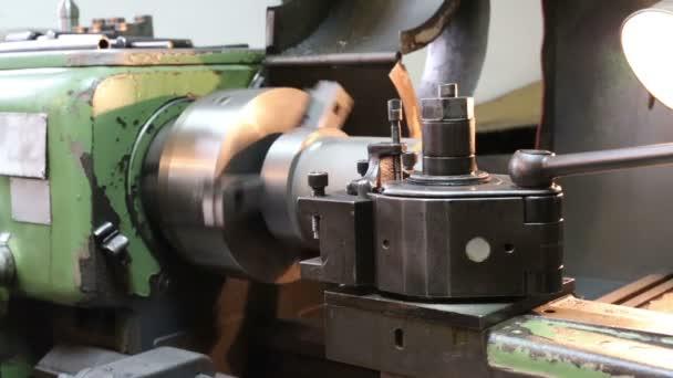 Lathe Machine is running