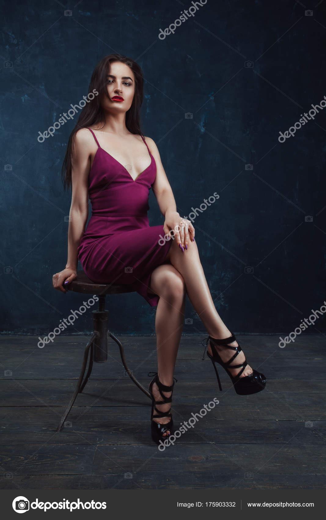 Vestido blanco vestido rojo antifaz