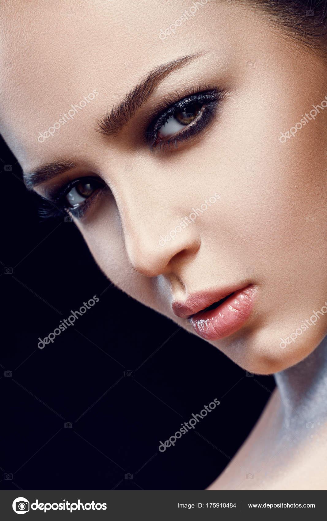 Сексуальный губы у девушек