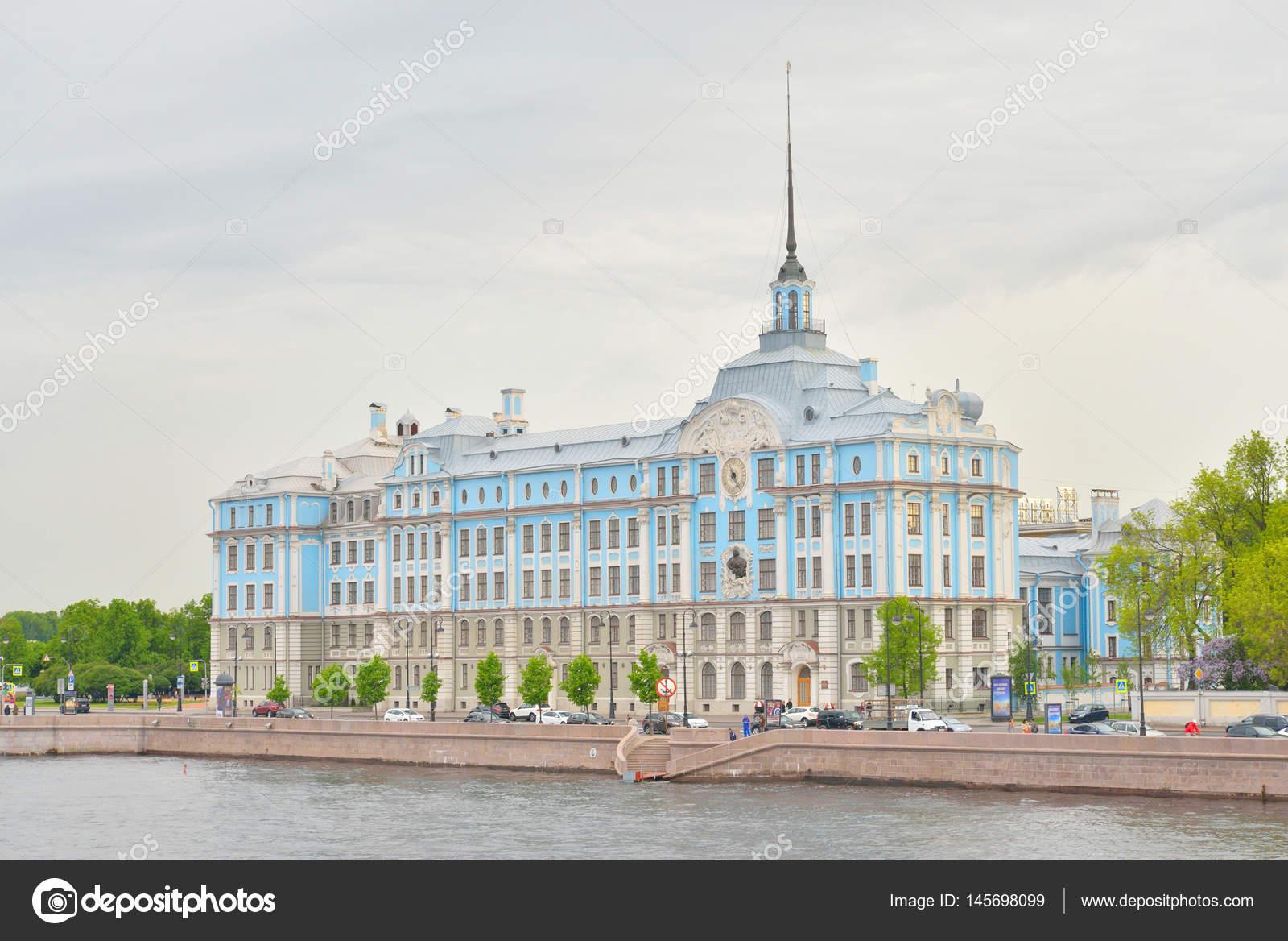 サンクトペテルブルク ・ ナヒーモフ海軍学校の建物