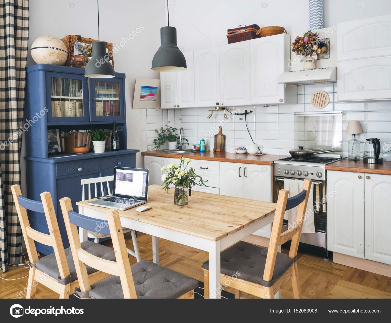 intérieur d'une cuisine scandinave — photographie svmelnikoff