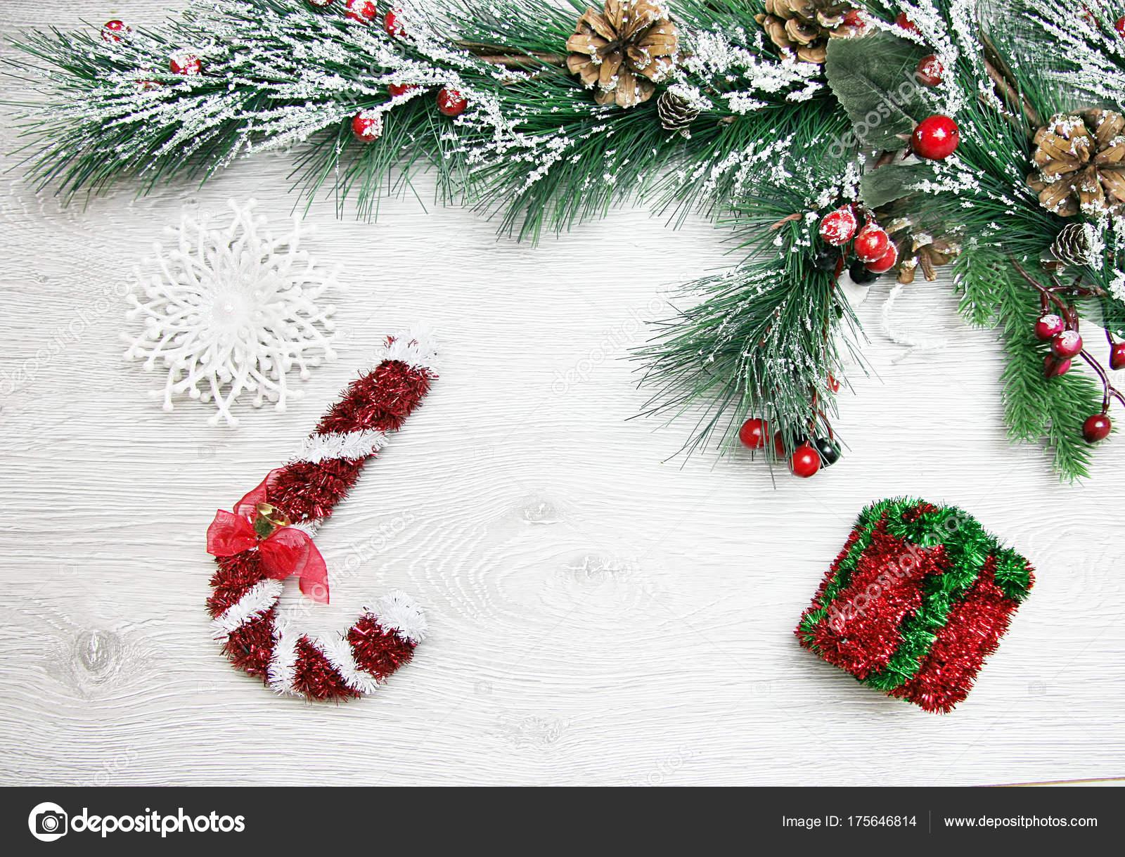 Çam konilerinden yeni yıl el işleri: photo