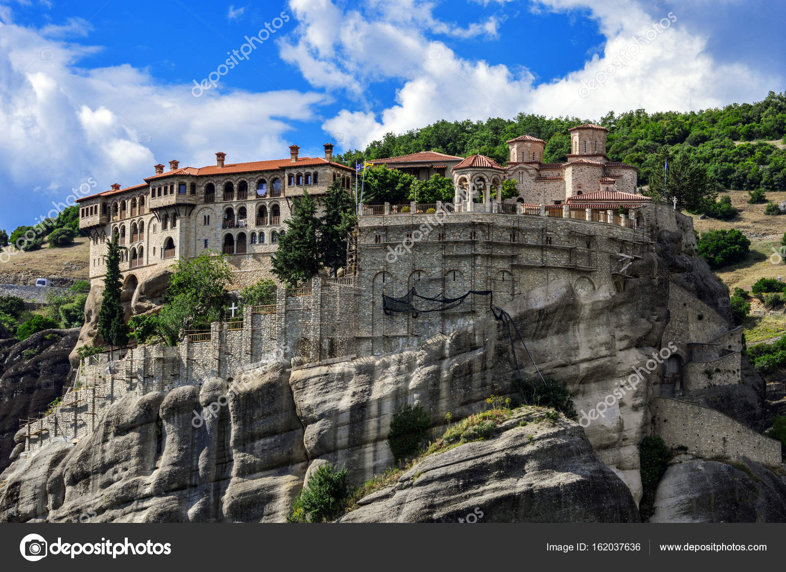 depositphotos_162037636-stock-photo-monastery-varlaam-on-a-rock.jpg
