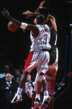 NBA BASKETBALL GAME ACTION