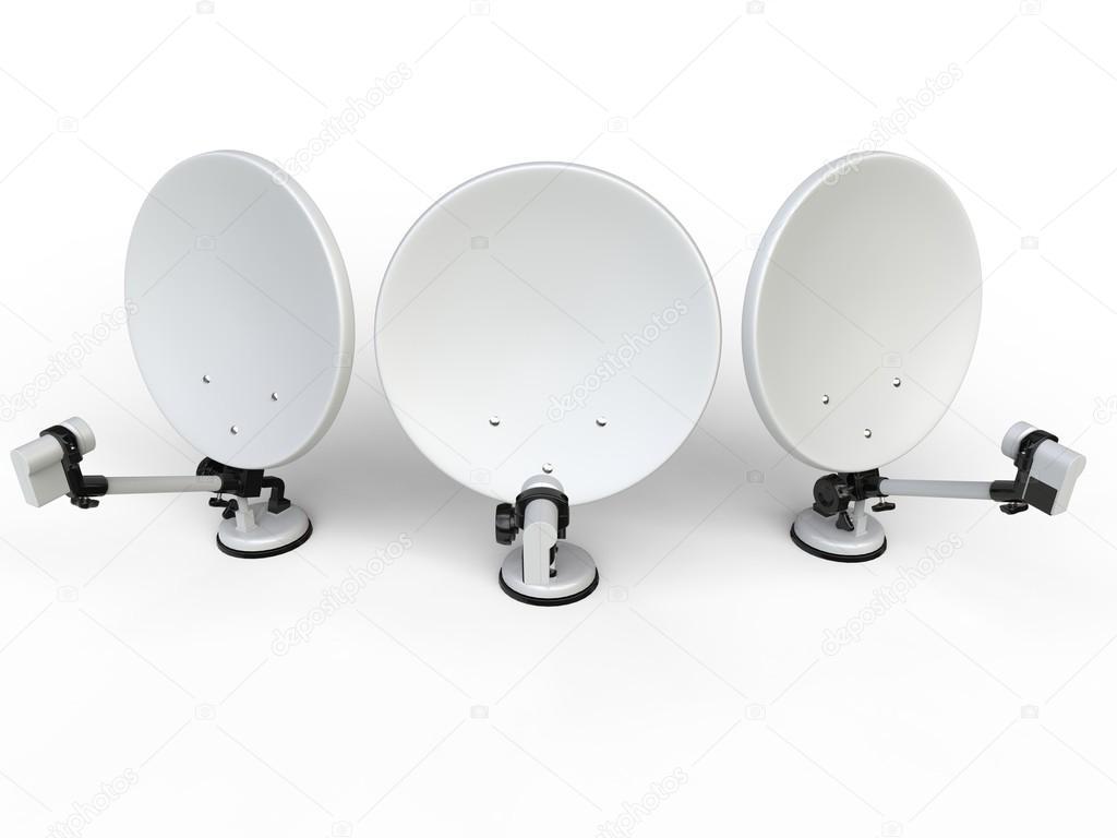 Trois Blancs Tv Antennes Paraboliques Vue De Dessus Photographie