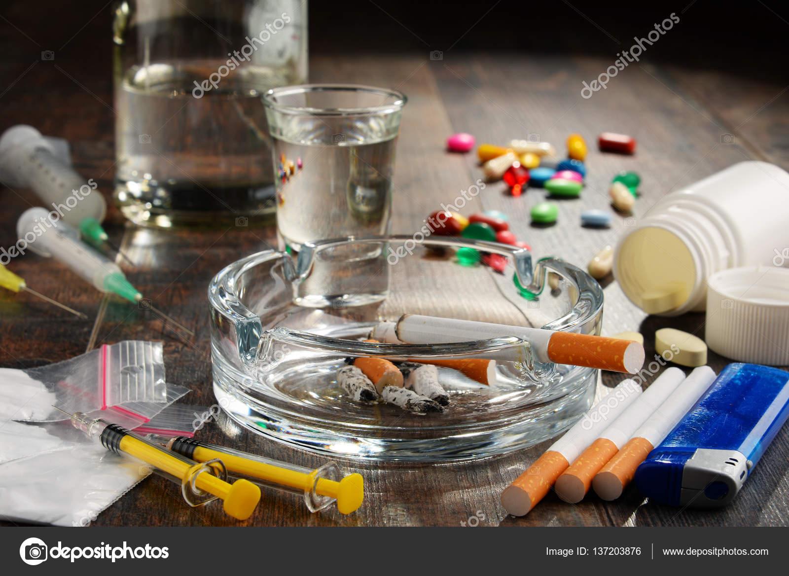 Clarificação fumante deixada de um organismo de nicotina