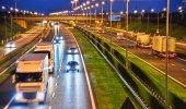 Vozíky na čtyřproudá dálnice v Polsku