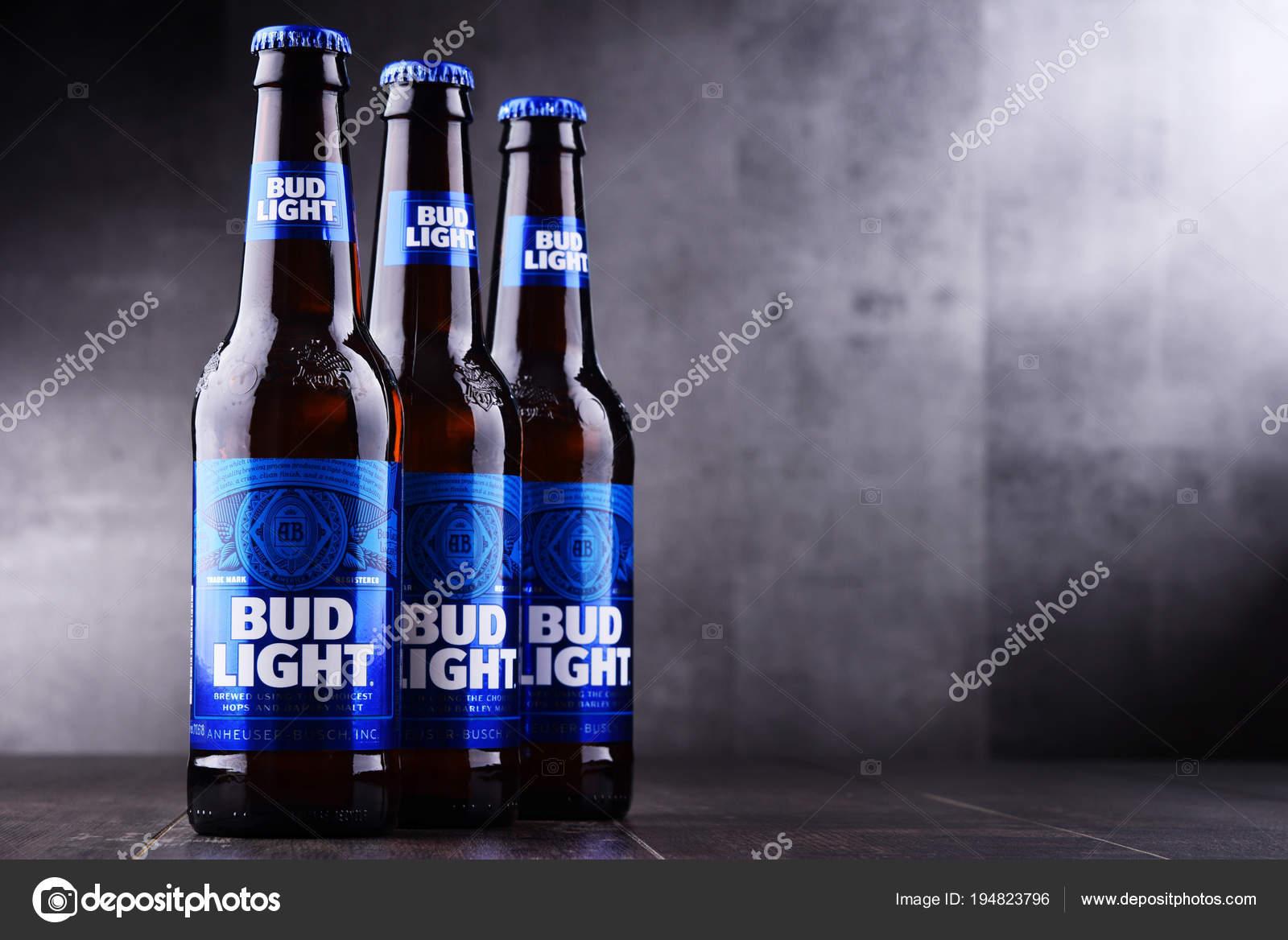 Botellas De Cerveza Bud Light U2014 Foto De Stock