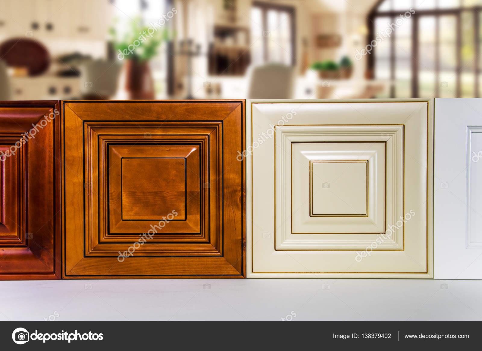 Moderne Küche Türen gefertigt aus Holz, Creme, Ahorn und Kirsche ...