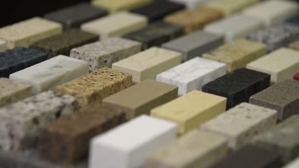 Kuchyňské desky vyrobené z přírodního kamene, žuly, mramoru a křemen