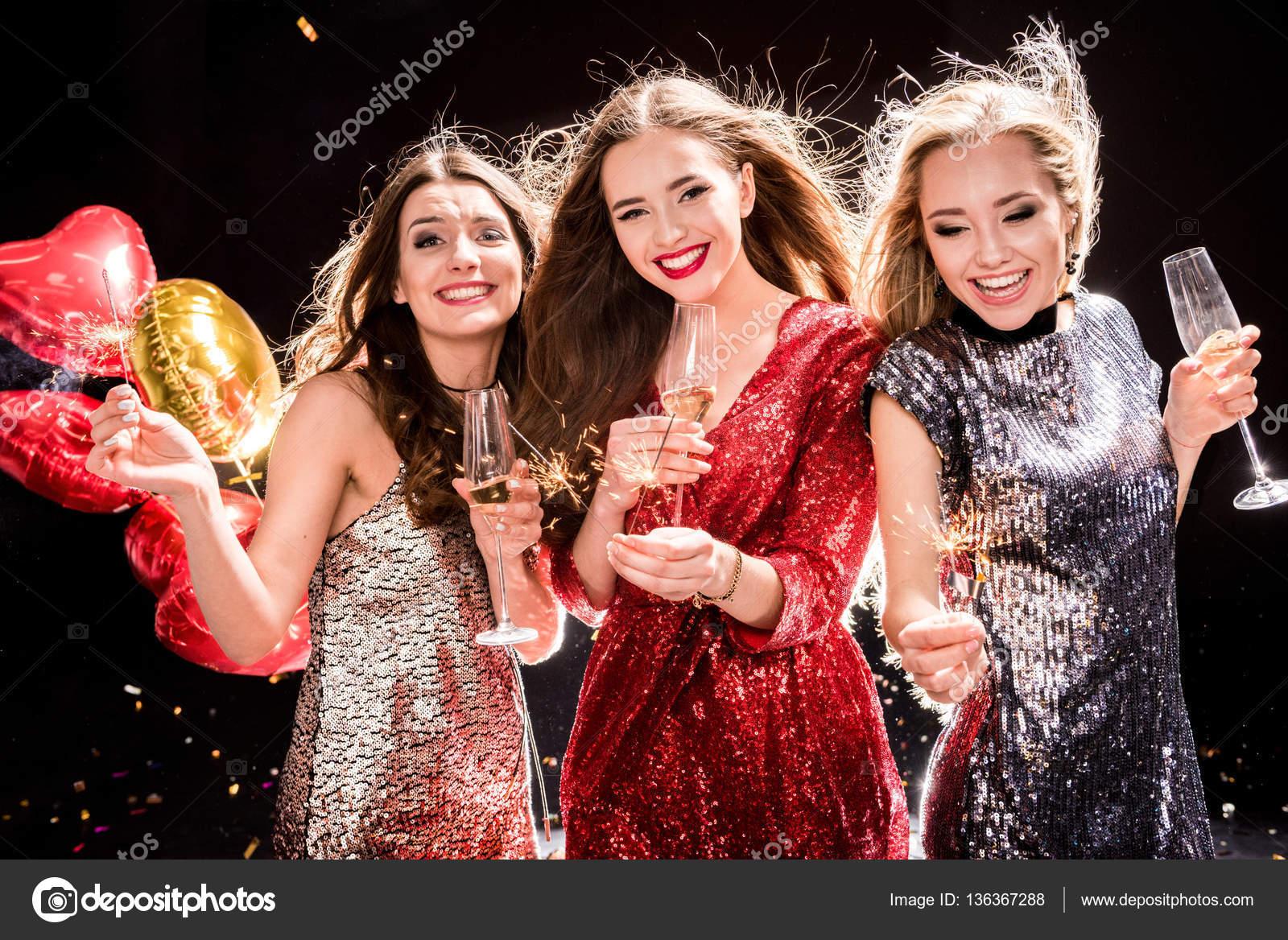 Женщины вна вечеринке фото 781-736