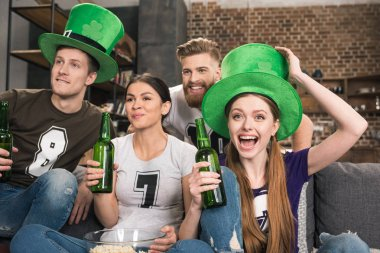 Friends celebrating st patricks day