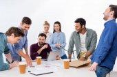 Unternehmer diskutieren und Brainstorming