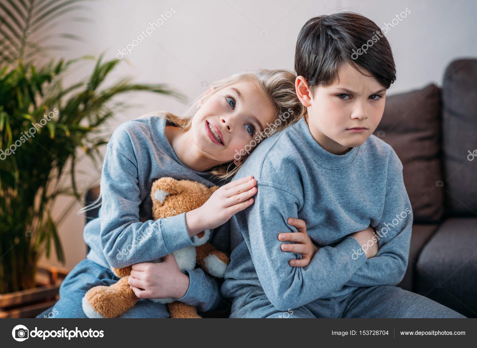 Парень обиженный на девушку