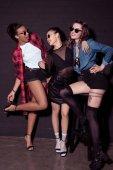 multikulturní mladé stylové ženy