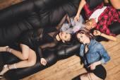 Fotografie multikulturní mladé ženy na hen party