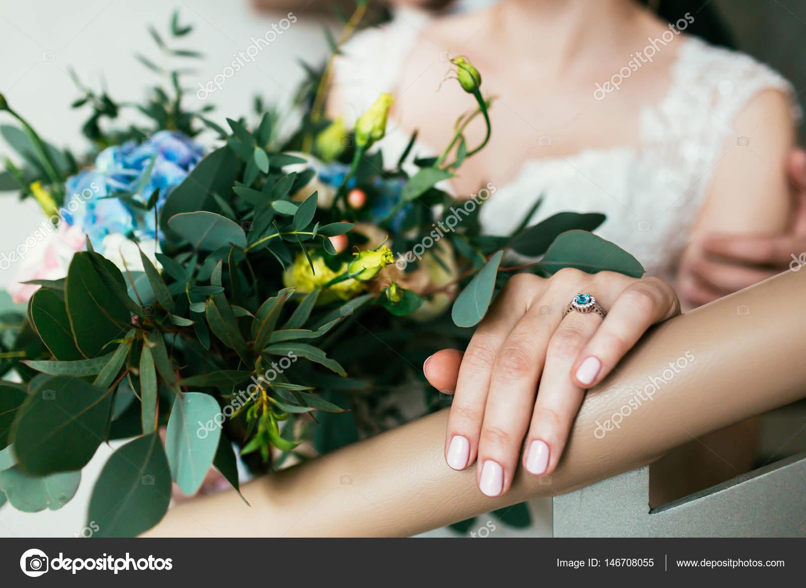 Gyönyörű leszbikusok ollóval