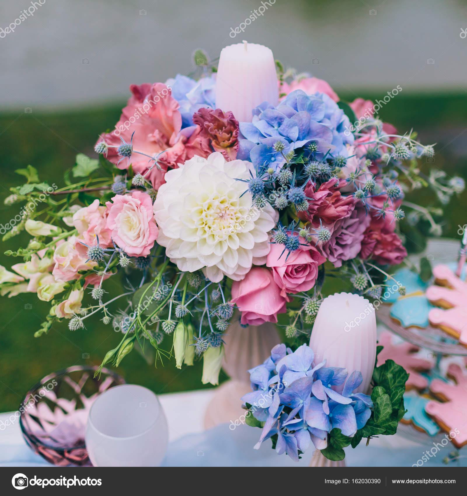 mariage décoration dans le style de boho, composition florale