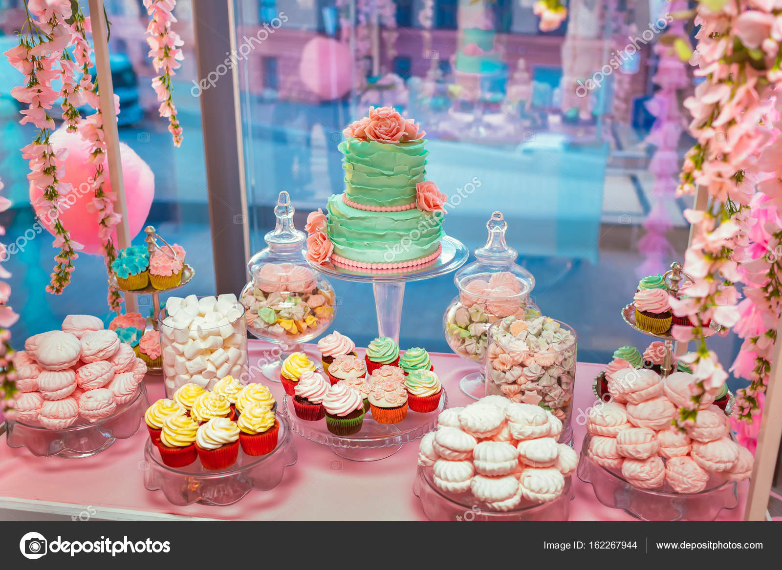 candy bar delicious sweet buffet with cupcakes and wedding cake rh depositphotos com candy bar buffet containers candy bar buffet containers