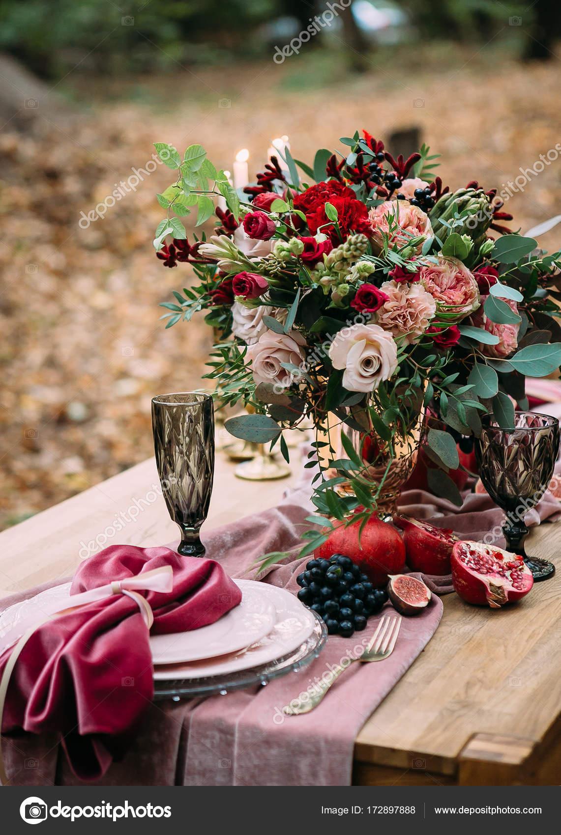 Fiori Matrimonio Rustico : Matrimonio rustico decorazione da tavola festiva con bella