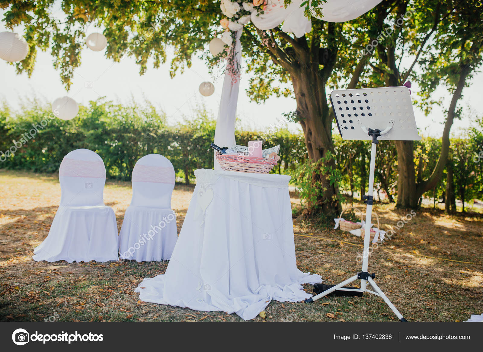 Wedding decor outdoor indoor stock photo lelik83 137402836 wedding decor outdoor indoor stock photo junglespirit Gallery