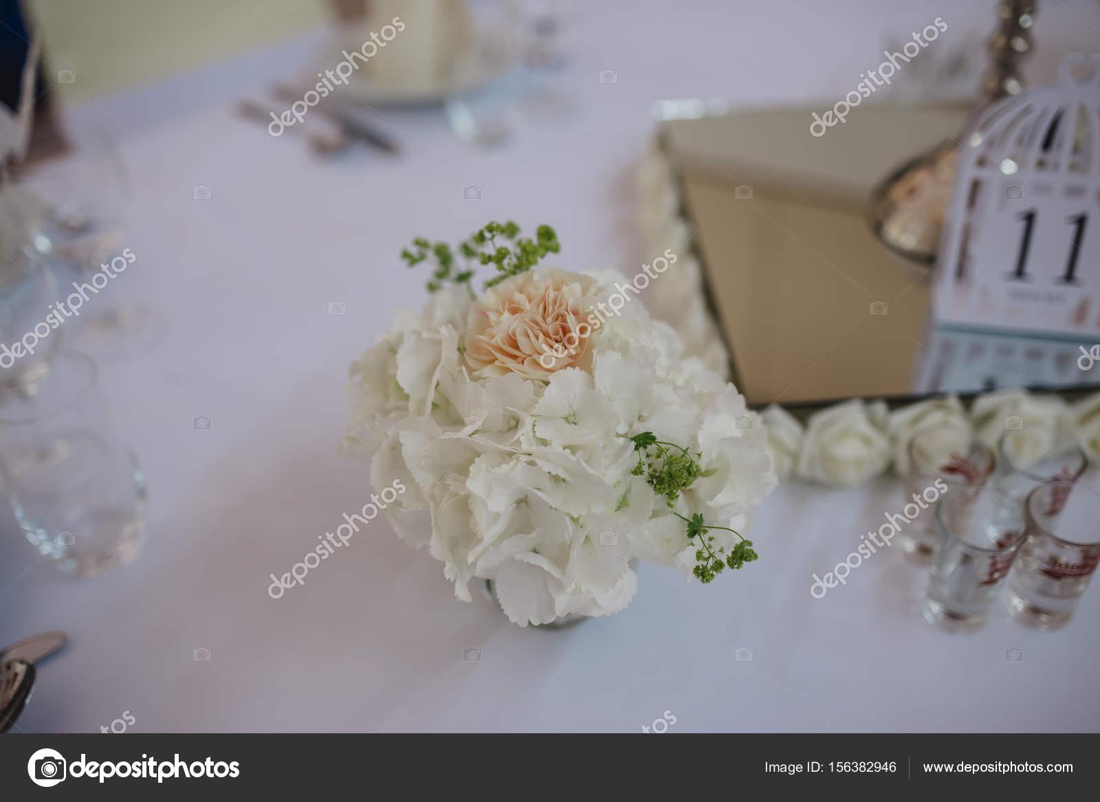 Hochzeit Dekoration Blumen Wand Stockfoto C Lelik83 156382946
