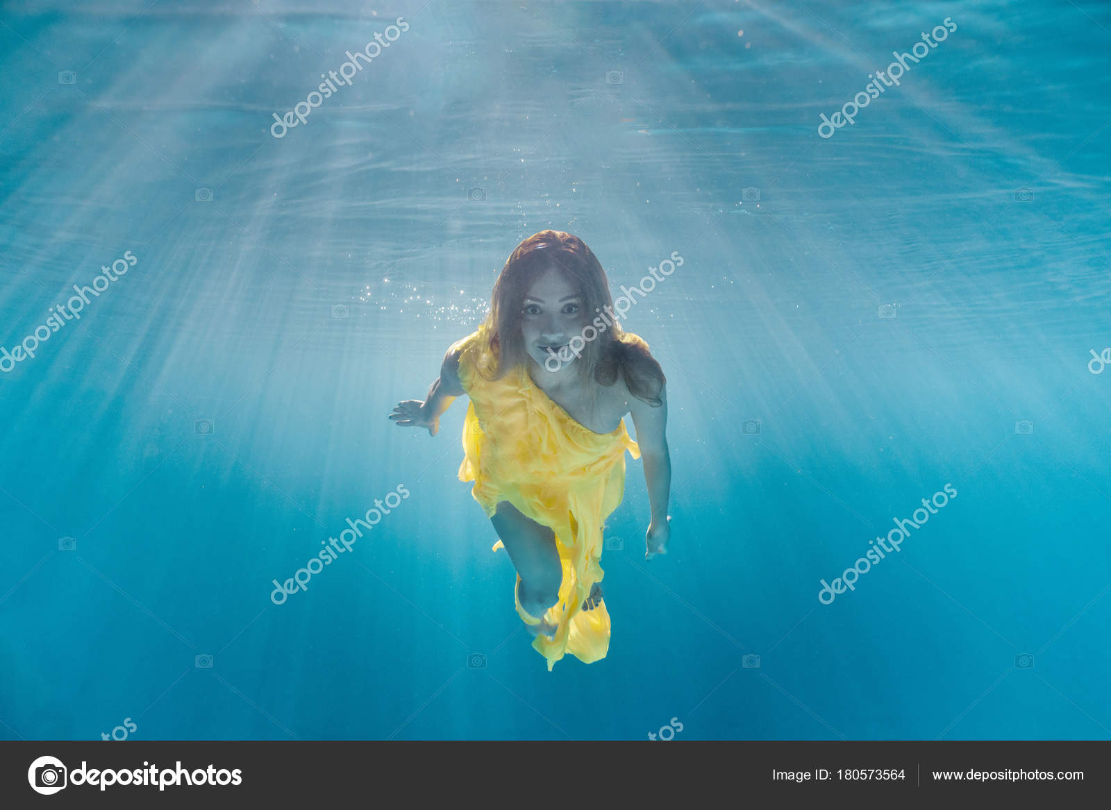 82a9053a05 Underwater Picture Beautiful Young Woman Dress Swimming Swimming Pool —  Stock Photo