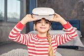 Fotografie Mädchen in der virtuellen Realität Kopfhörer