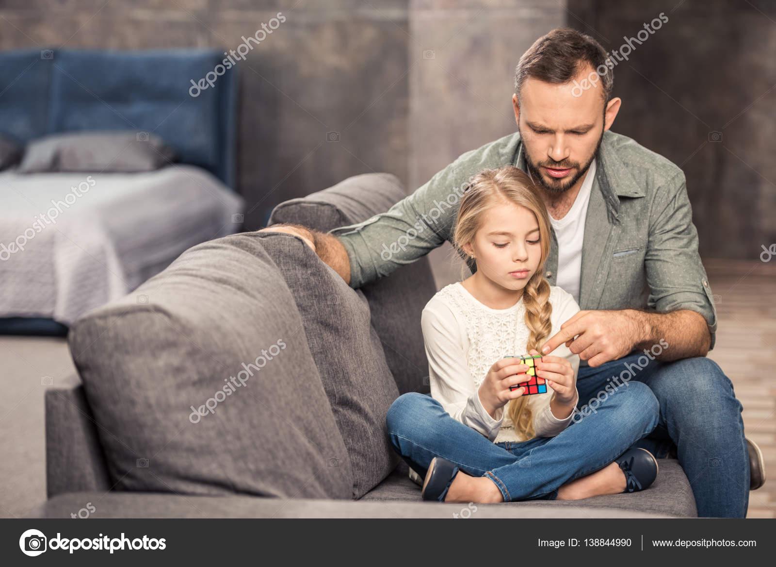 Русские отец и дочь занимаются сексом онлайн бесплатно, Отец и дочь, отец ебет дочь - Смотреть порно видео 19 фотография