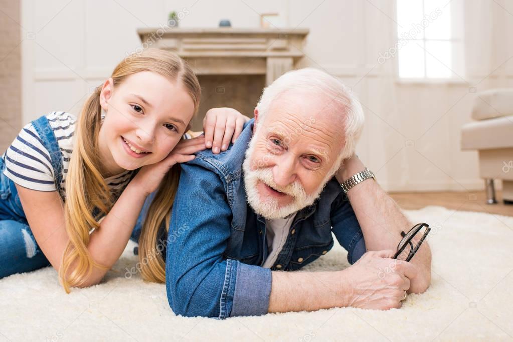 Молоденькие порно дедами с секс фото