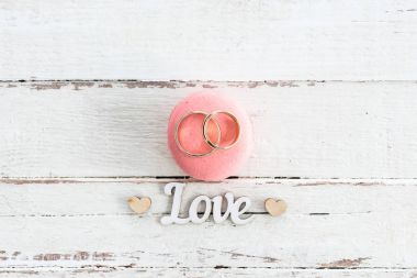 Wedding rings on macaron