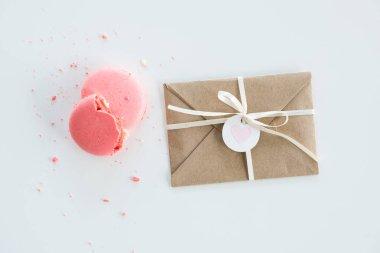 Kraft envelope and macarons